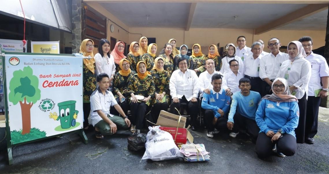 Menteri Siti Kunjungi Bank Sampah di Kampus BLI