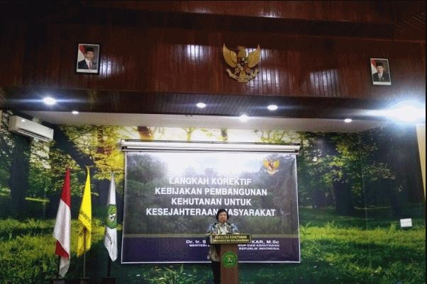 Ke Samarinda, Menteri LHK Beri Kuliah Umum dan Diskusi dengan Pakar Kehutanan dan Lingkungan