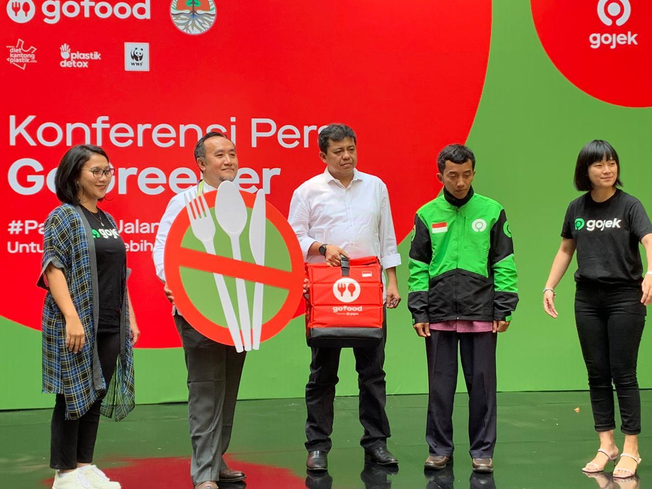 KLHK dan Gojek Kolaborasi Pengurangan Sampah Plastik