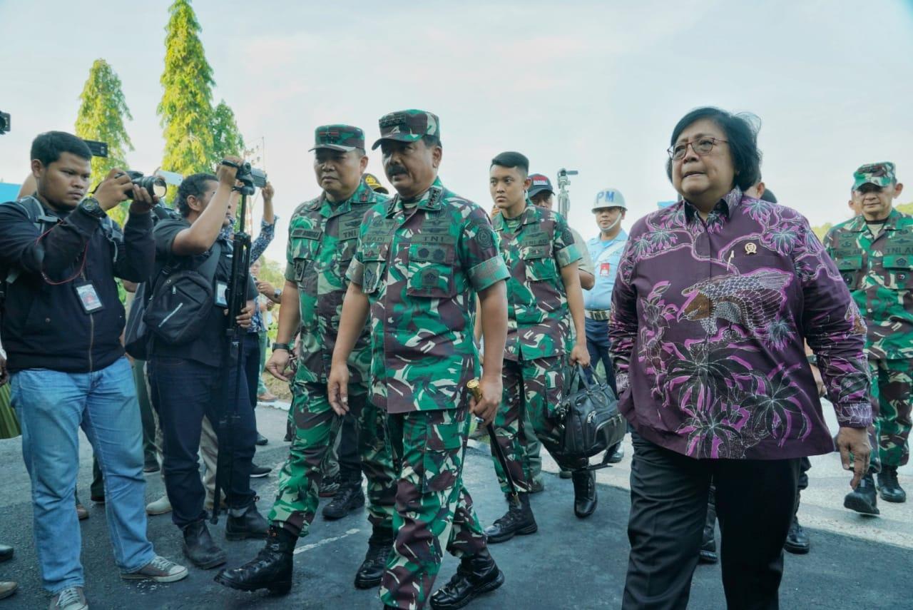 Menteri LHK, Panglima TNI, Kapolri dan Kepala BNPB Tinjau Langsung Penanganan Karhutla Riau