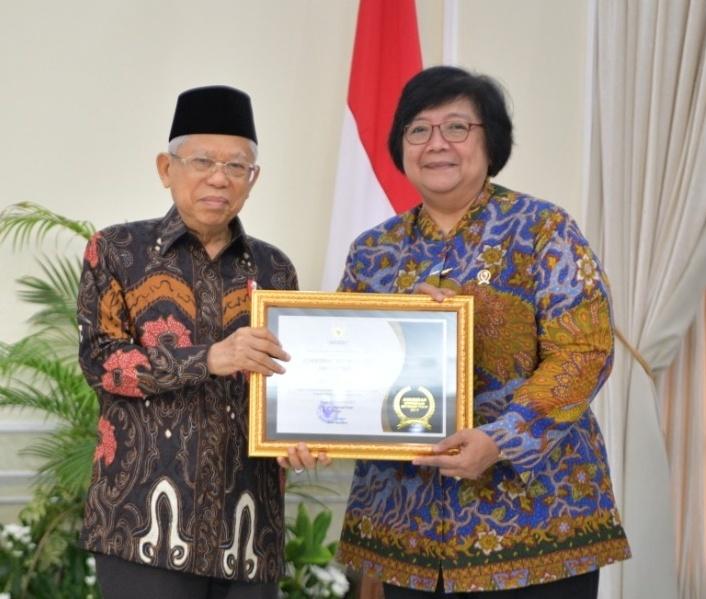KLHK Raih Anugerah Badan Publik Informatif dari Komisi Informasi Pusat