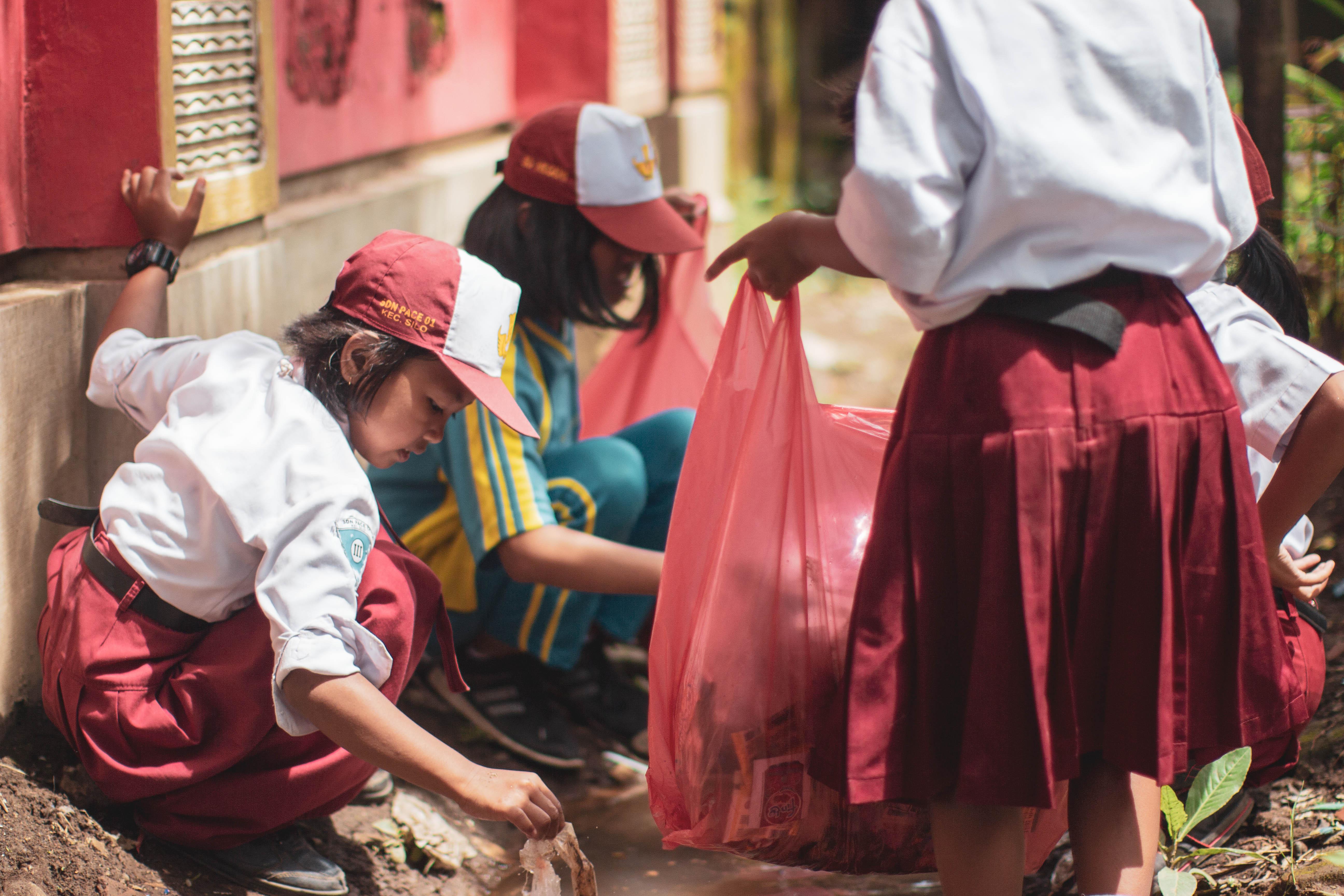 """""""Sampah Kita Tanggung Jawab Kita"""", TN MerBeti Ajak Generasi Muda Peduli Sampah"""