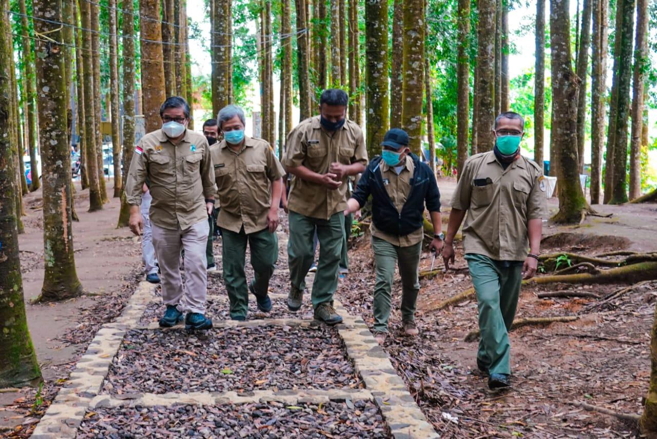 Wamen LHK: Berwisata Alam Sehatkan Jiwa Raga
