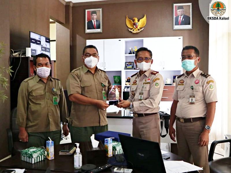 Sinergi BKSDA Kalsel dan Balai Karantina Pertanian Banjarmasin Berantas Peredaran Ilegal TSL