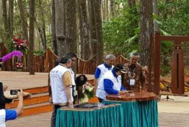 Xylarium Bogoriense No.1 Dunia, Menteri LHK Kukuhkan dengan Tandatangan di Prasasti