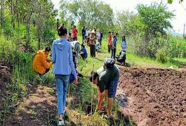 Mengisi Libur Kuliah Dengan Belajar Pemulihan Ekosistem di SM Paliyan