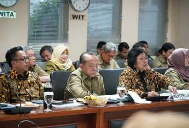 Menteri LHK Jelaskan Program KLHK kepada Komite II DPD RI
