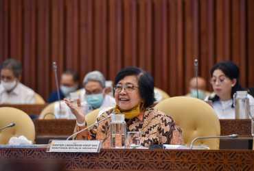 Menteri LHK Sampaikan Laporan Pelaksanaan Program Strategis KLHK di Raker