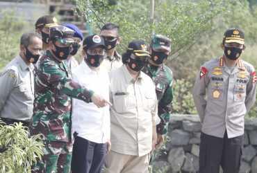 Menteri LHK: Kampung Tangguh Nusantara TNI-Polri untuk Lawan Dampak COVID-19